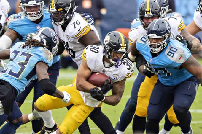 NASHVILLE, TN - OCTOBER 25:  James Conner #30 of the Pittsburgh Steelers runs the ball in the second half of a game against the Tennessee Titans at Nissan Stadium on October 25, 2020 in Nashville, Tennessee.  The Steelers defeated the Titans 27-24.  (Photo by Wesley Hitt/Getty Images)